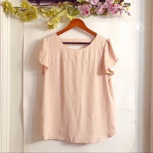 LOFT | BLUSH RUFFLE BLOUSE W/ V- NECK CUT OUT